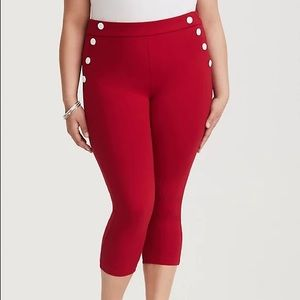 Torrid Retro chic size 20 cropped red pants